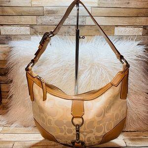 COACH   Perfect Spring/Summer Shoulder Bag